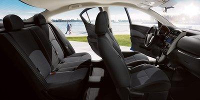 Bỏ ra 12.360 USD, khách hàng Mỹ được sở hữu Nissan Sunny 2019 thiết kế mới a2