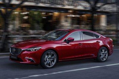 So sánh Mazda 6 2.0 và 2.5: Chọn bản thấp nhất hay cao nhất