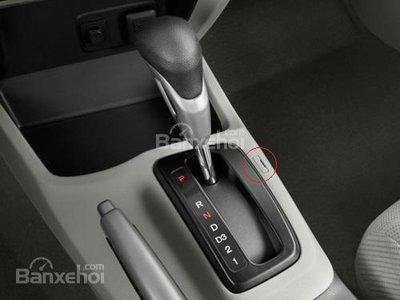 Tác dụng của nút Shift Lock trên xe ô tô ít ai biết