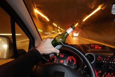 5 mức phạt cực kỳ nghiêm khắc cho hành vi lái xe khi say rượu trên thế giới 1.