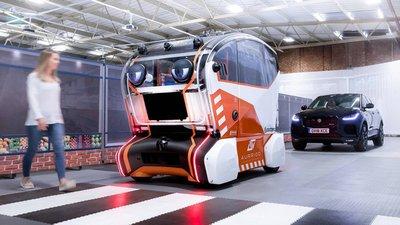 Kinh ngạc với xe tự lái  có mắt như người thật của Jaguar Land Rover - Ảnh 1.
