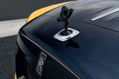Ngắm mẫu Rolls-Royce Dawn Black Badge ''''''''vàng chóe'''''''' nổi bật của lãnh đạo Google - Ảnh 4.