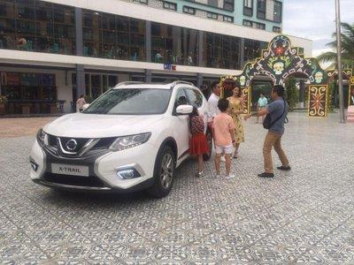Bắt gặp Nissan X-Trail V-series bản dành riêng cho thị trường Việt lăn bánh trên phố a1