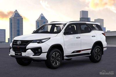 """Ảnh Toyota Fortuner TRD 2018 - Bản thể thao """"hot"""" TMV vẫn nợ khách Việt a1"""
