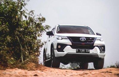 """Ảnh Toyota Fortuner TRD 2018 - Bản thể thao """"hot"""" TMV vẫn nợ khách Việt a19"""