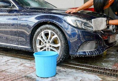 Những sai lầm nghiêm trọng khi rửa xe tại nhà