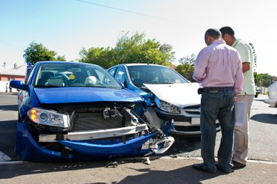 Cần lưu ý những điều gì khi chọn mua bảo hiểm ô tô? 1...