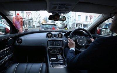 """Hyundai và Kia sáng chế """"cột A vô hình"""" để xóa điểm mù xe ô tô"""