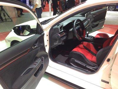 Honda Civic Type R về Việt Nam giá bao nhiêu? a11