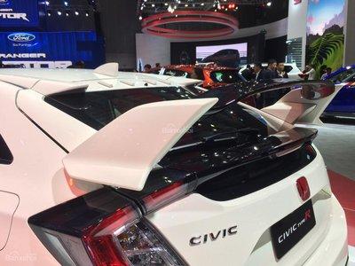 Honda Civic Type R về Việt Nam giá bao nhiêu? a9