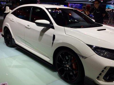 Honda Civic Type R về Việt Nam giá bao nhiêu? a3