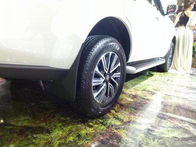 Ảnh chi tiết Nissan Terra tại triển lãm VMS 2018 a5