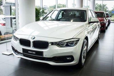 Giá xe BMW 320i cập nhất mới nhất.