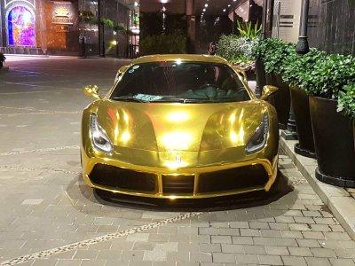 """Ferrari 488 GTB của đại gia Tiền Giang nổi bật trong bộ cánh """"dát vàng"""" a4"""