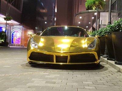 """Ferrari 488 GTB của đại gia Tiền Giang nổi bật trong bộ cánh """"dát vàng"""" a9"""