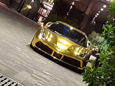 """Ferrari 488 GTB của đại gia Tiền Giang nổi bật trong bộ cánh """"dát vàng"""" a2"""