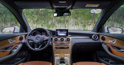 Giá xe Mercedes-Benz GLC300 a35
