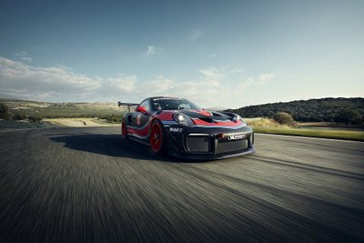 Porsche 911 GT2 RS phiên bản Clubsport: Mạnh mẽ như xe đua a14