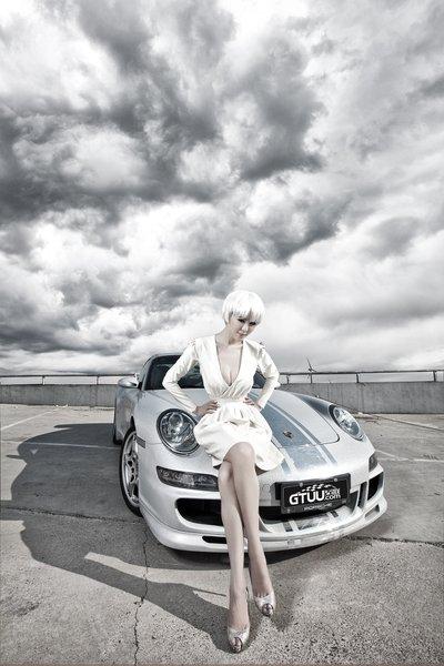 Người đẹp Trung Quốc cá tính bên siêu xe Porsche 911 Carrera 4S - Ảnh 4.