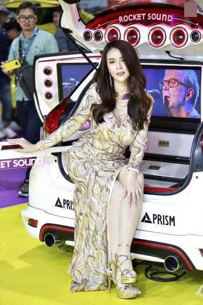 Triển lãm xe ô tô Thái Lan ''''''''nóng'''''''' hơn nhờ dàn người mẫu xinh đẹp 5.
