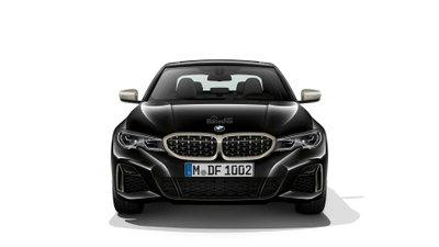 Đầu xe BMW M340i 2020.