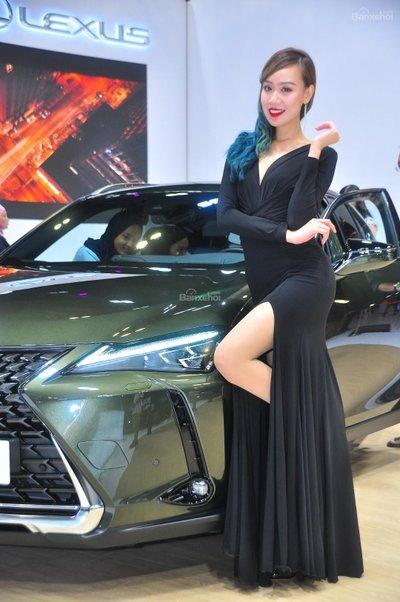 Người đẹp và xe tại triển lãm KLIMS 2018 - 14