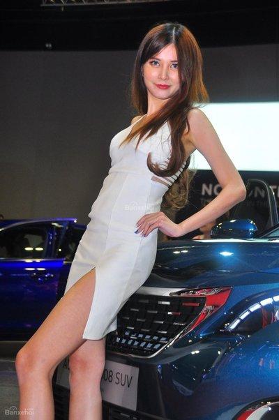 Người đẹp và xe tại triển lãm KLIMS 2018 - 19