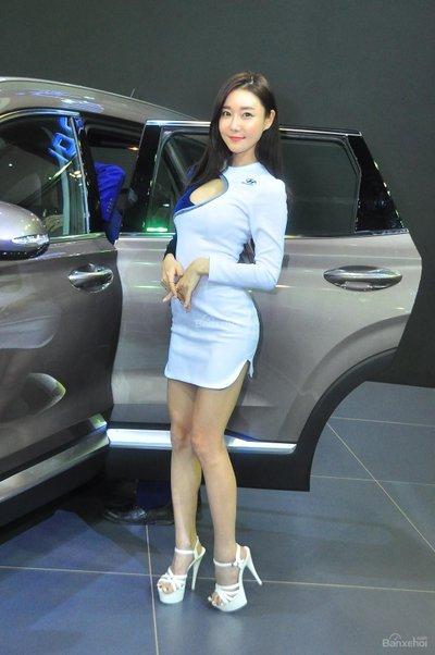 Người đẹp và xe tại triển lãm KLIMS 2018 - 8