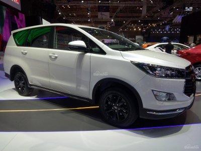Toyota Innova .