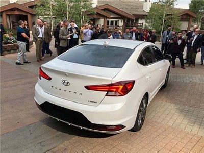 Ảnh thực tế Hyundai Elantra 2019, chuẩn bị về Việt Nam a13