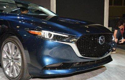 Lưới tản nhiệt Mazda 3 2019 mới