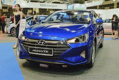 Hyundai Elantra 2019 ra mắt với ngoại hình cải cách