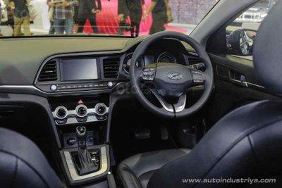 Hyundai Elantra 2019 tinh chỉnh nội thất
