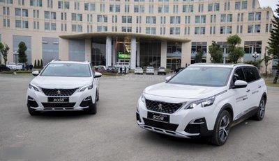 Peugeot 3008 và 500 màu trắng phiên bản 2018 tại Việt Nam...