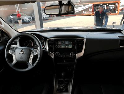Nội thất xe Mitsubishi Triton 2019 a3