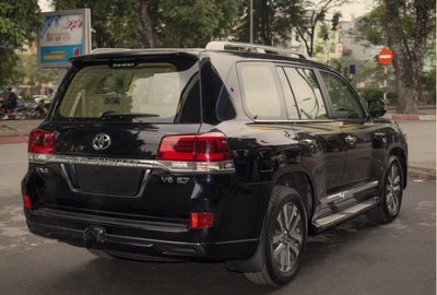 Ngoại thất xe ToyotaLand Cruiser 2020 a1