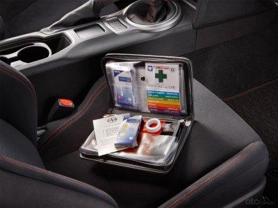 Bộ cứu thương trên xe