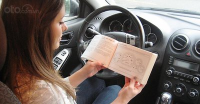 Sách hướng dẫn sử dụng xe trên ô tô