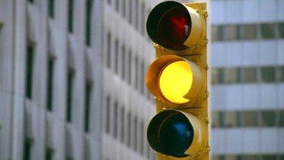 Chú ý hiệu lệnh đèn giao thông