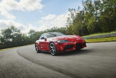 Toyota Supra 2019 màu đỏ đang chạy