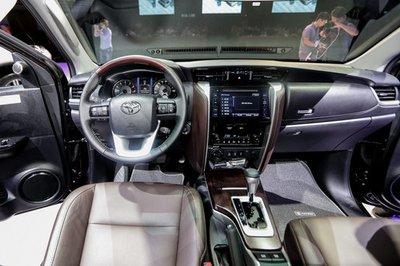 Nhập khẩu khó khăn, Toyota Fortuner sẽ quay lại lắp ráp trong năm 2019 a3