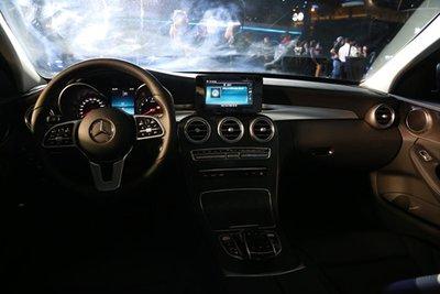 Giá xe Mercedes-Benz C200 2019 mới nhất tại Việt Nam aa