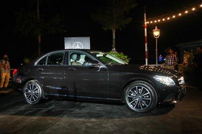Giá xe Mercedes-Benz C200 2019 mới nhất..