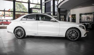 Giá xe Mercedes-Benz C200 Exclusive 2019 a5