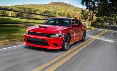 Dodge Charger SRT Hellcat 2019 màu đỏ