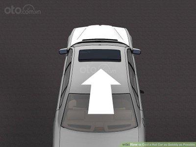 3 mẹo hạ nhiệt ô tô cấp tốc, đối phó cái nóng mùa hè - Chạy xe giúp không khí lưu thông