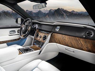 Cristiano Ronaldo bổ sung Rolls-Royce Cullinan vào bộ sưu tập xe hơi khủng a6