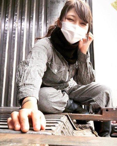 Ngất ngây ngắm nữ tài xế nóng bỏng nhất Nhật Bản - Ảnh 3.