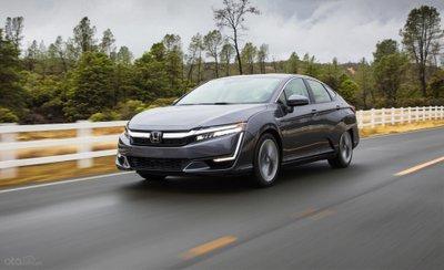 Honda Clarity plug-in hybrid đang chạy
