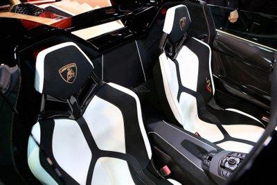 Lamborghini Aventador SVJ Roadster ghế ngồi